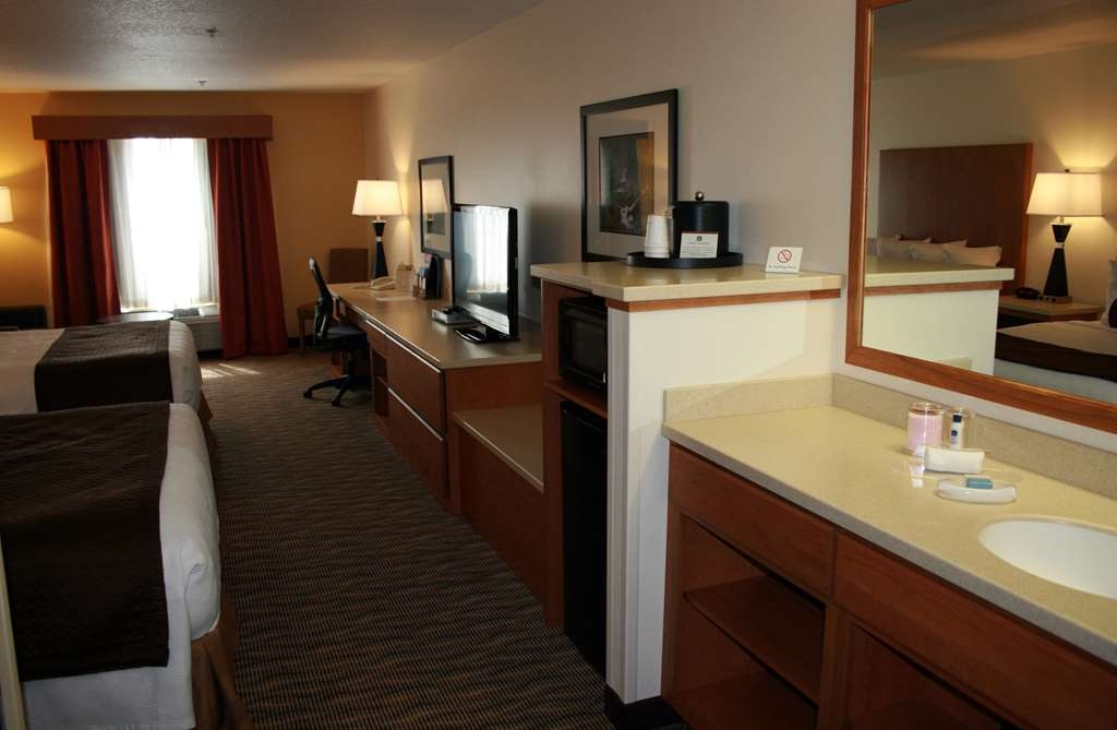 Best Western Plus Park Place Inn & Suites - When in Chehalis there is no better place to stay!