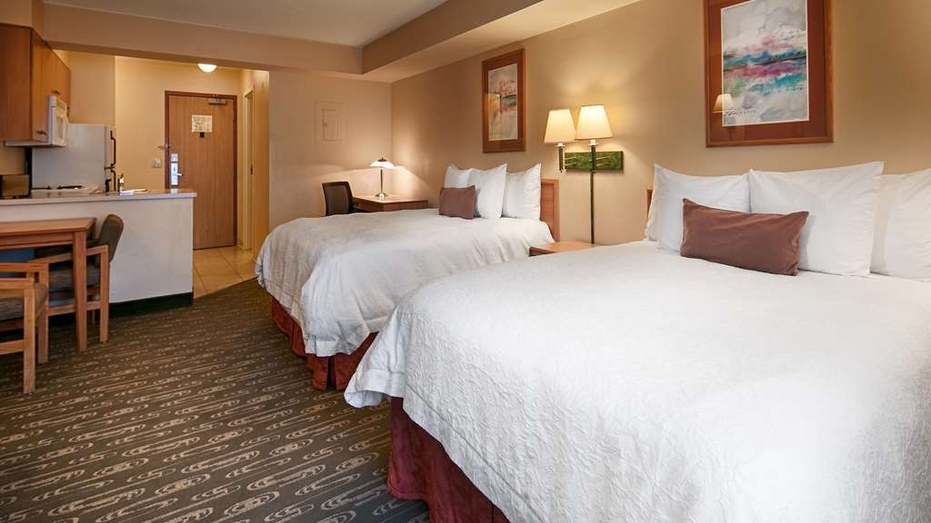Best Western Plus Navigator Inn & Suites - Make yourself at home in our double queen bed guest room.