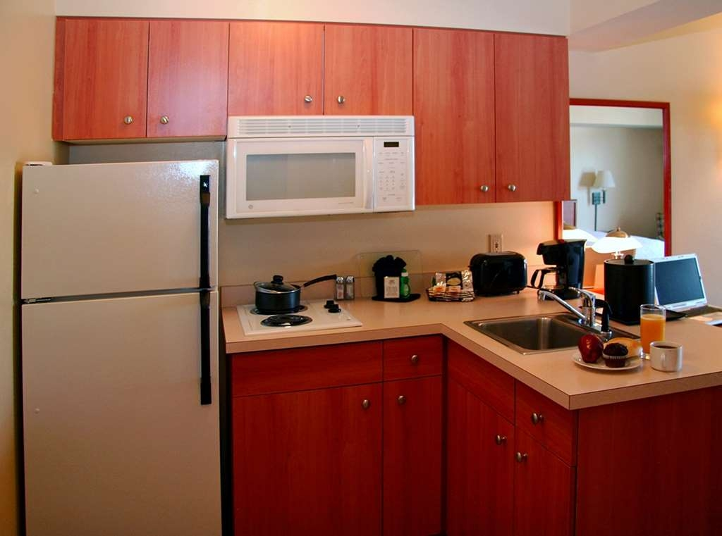 Best Western Plus Navigator Inn & Suites - All guest rooms feature stocked kitchenettes to cook, keep fresh or entertain guests.