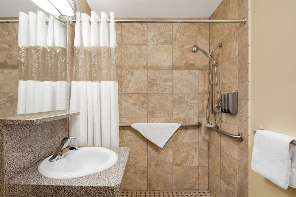 Best Western Plus Navigator Inn & Suites - Bagno