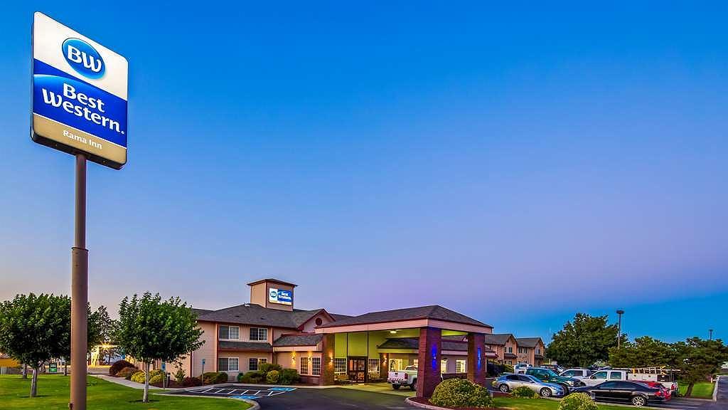 Best Western Rama Inn - Façade