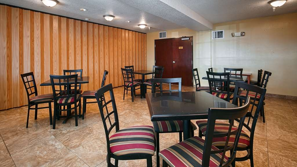 Best Western Rama Inn - Meet members of your party in our Breakfast Area.