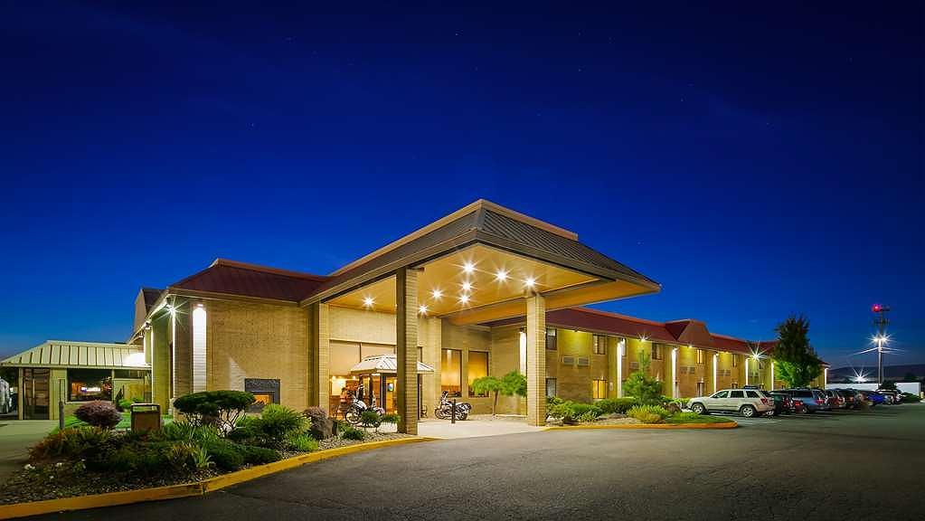 Best Western Plus Ahtanum Inn - Area esterna
