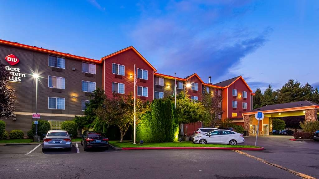 Best Western Plus Vancouver Mall Dr. Hotel & Suites - Facciata dell'albergo