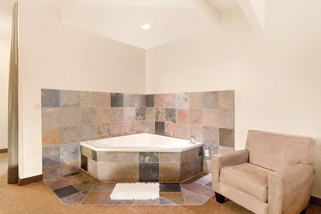 Best Western Plus Ellensburg Hotel - Suite