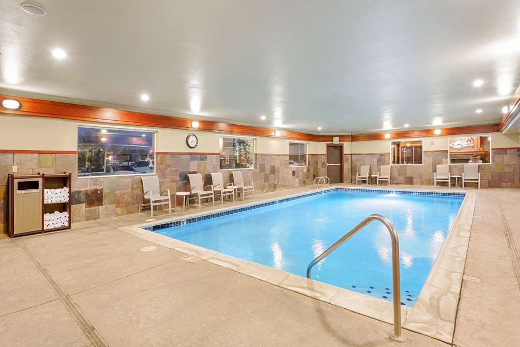 Best Western Plus Ellensburg Hotel - Our indoor pool is heated and open year round.