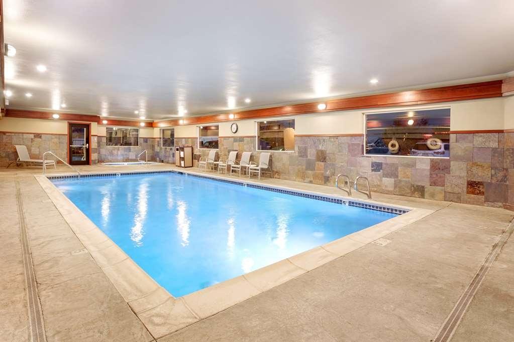 Best Western Plus Ellensburg Hotel - Poolansicht