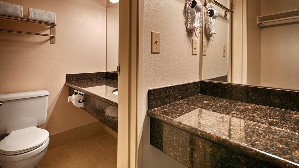 Best Western Alderwood - Baño