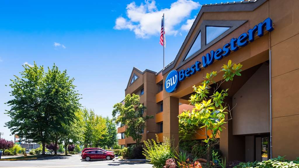 Best Western Alderwood - We are located close to the Lynnwood Convention Center and the largest Mall in Washington