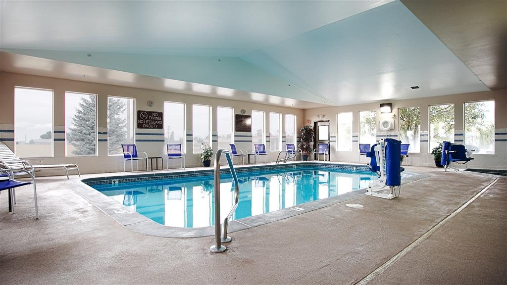 Best Western Bronco Inn - Enjoy a relaxing swim in our 24 hour indoor pool and hot tub.