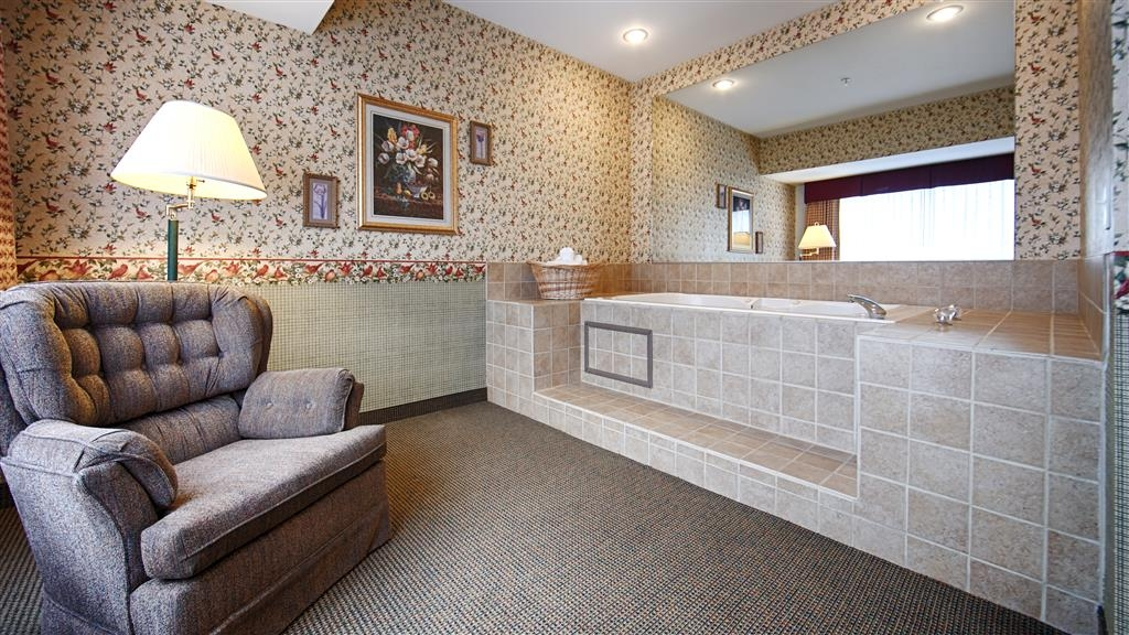 Best Western Bronco Inn - The Spa Suite