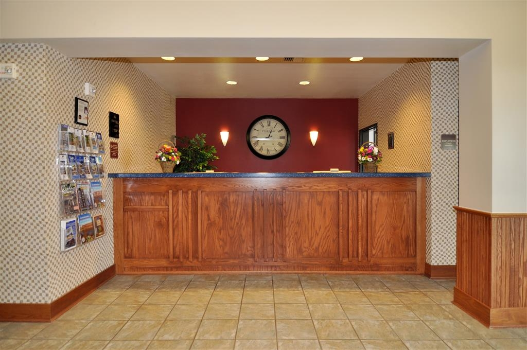 Best Western Bronco Inn - Our friendly staff is available at the front desk 24-hours a day.