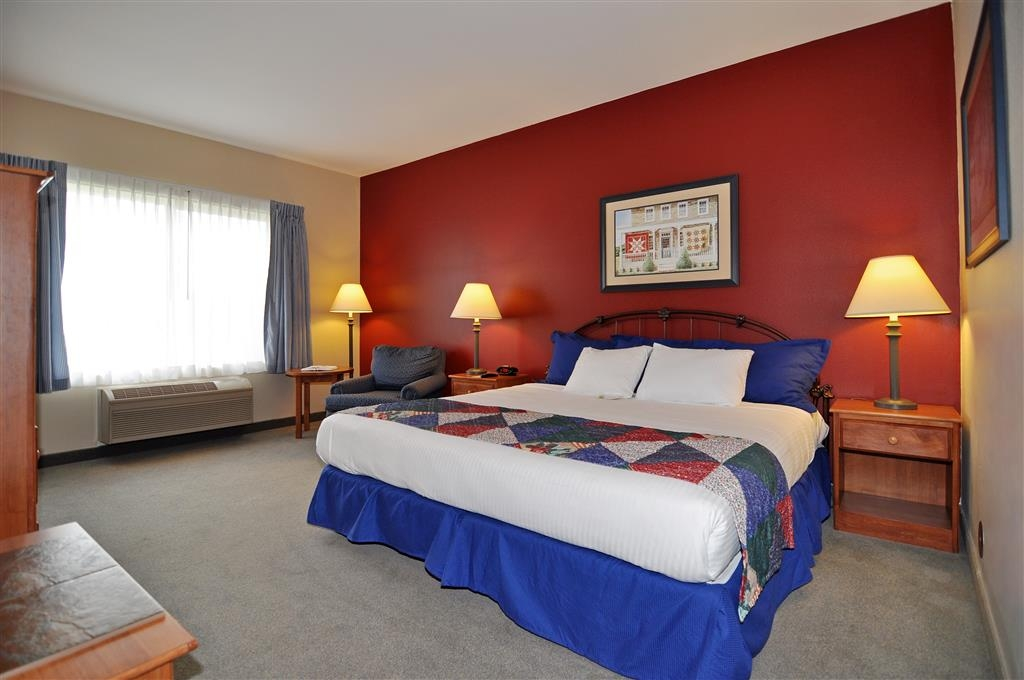 Best Western Bronco Inn - Relax in our newly renovated, spacious king room.