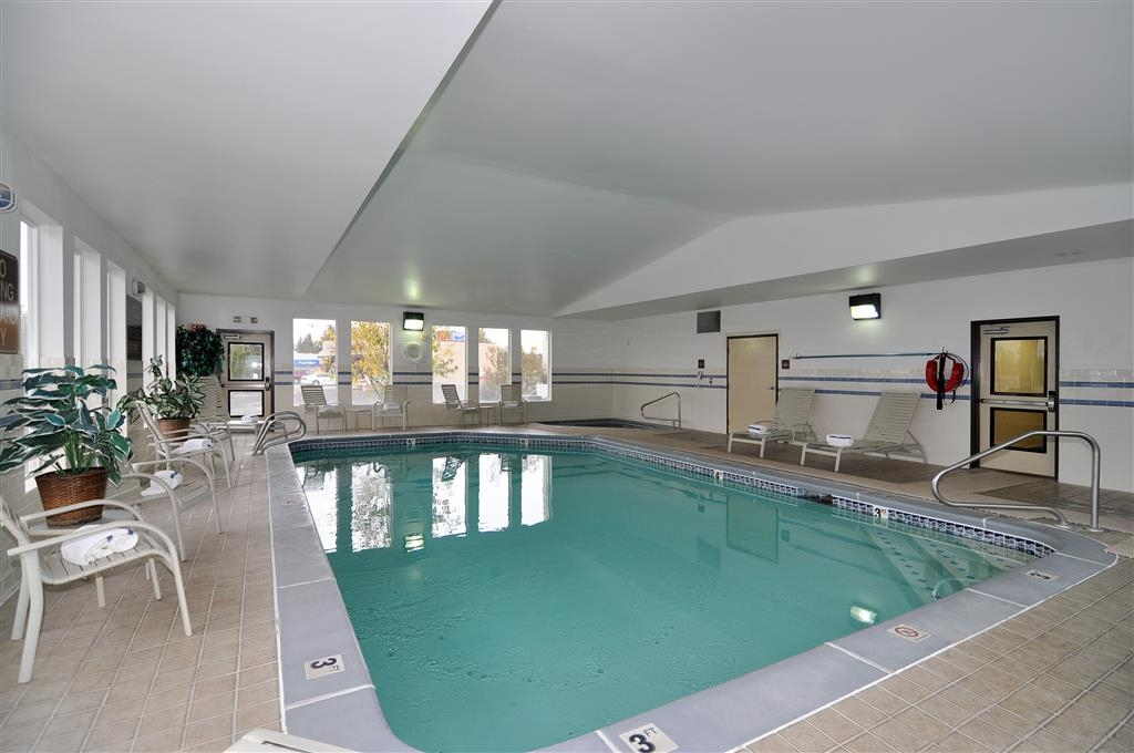 Best Western Bronco Inn - Our heated pool and hot tub are open 24-hours a day.