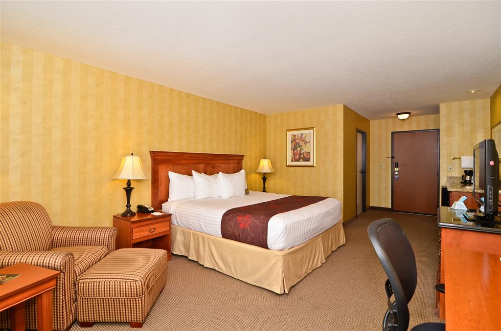 Best Western Plus Pasco Inn & Suites - Chambre avec lit king size standard