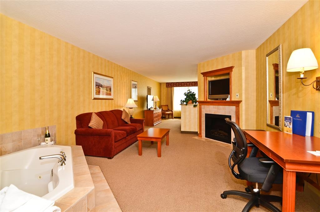 Best Western Plus Pasco Inn & Suites - Suite mit Whirlpool