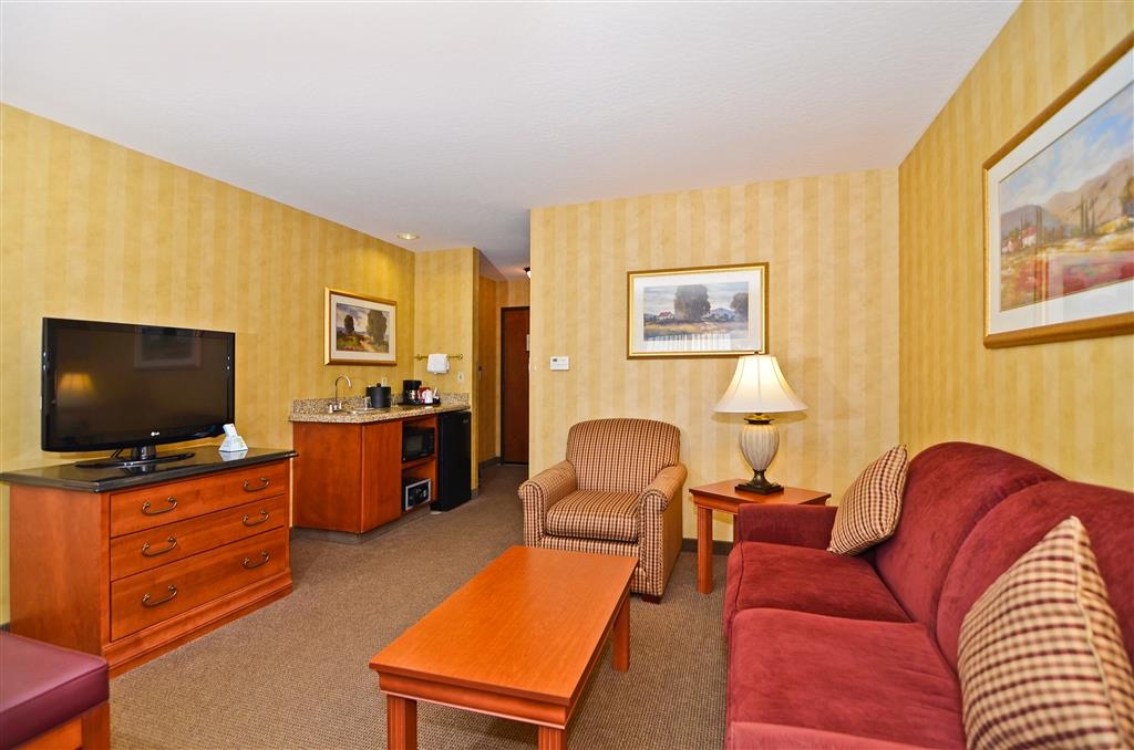 Best Western Plus Pasco Inn & Suites - Suite avec salon