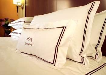 Best Western Snowcap Lodge - Goose down comforters & pillows; 100% Egyptian-sateen cotton linens. Experience the personal touch.