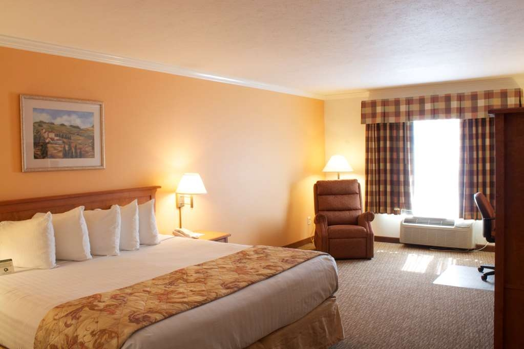 Best Western Plus Grapevine Inn - All of our rooms include both a microwave and a refrigerator.