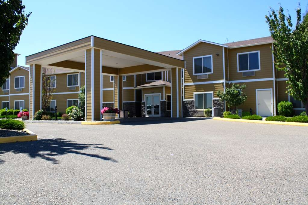 Best Western Plus Grapevine Inn - There's no better place to stay in Sunnyside Washington.