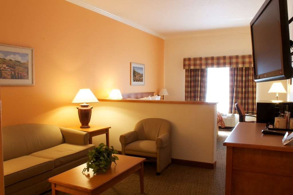 Best Western Plus Grapevine Inn - Suite