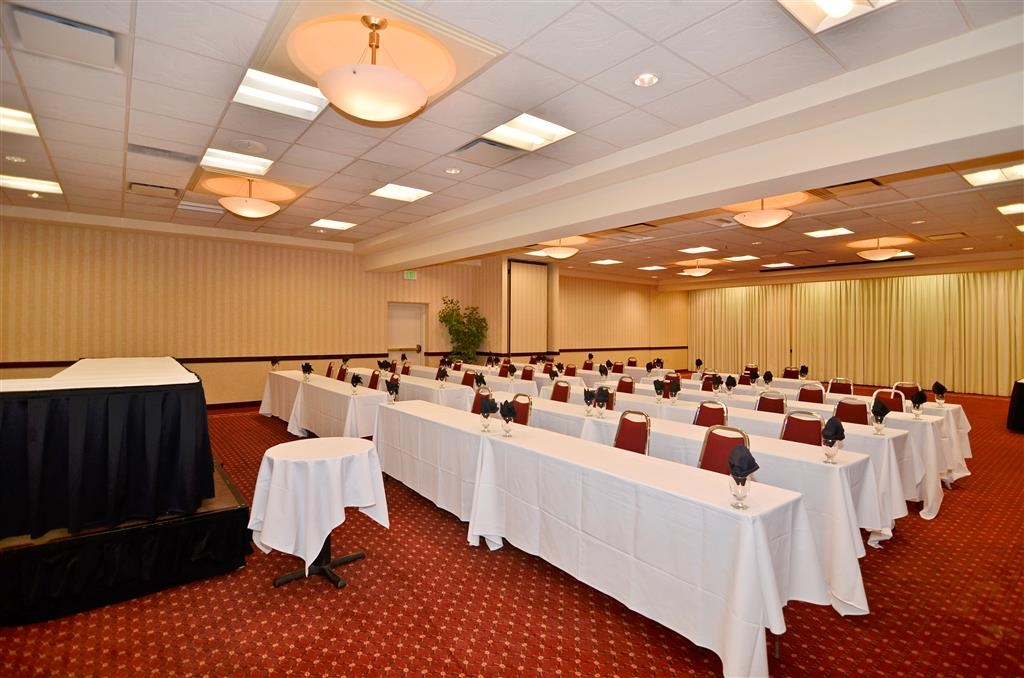 Best Western Plus Tacoma Dome Hotel - We have over 5,000 square feet of meeting space.
