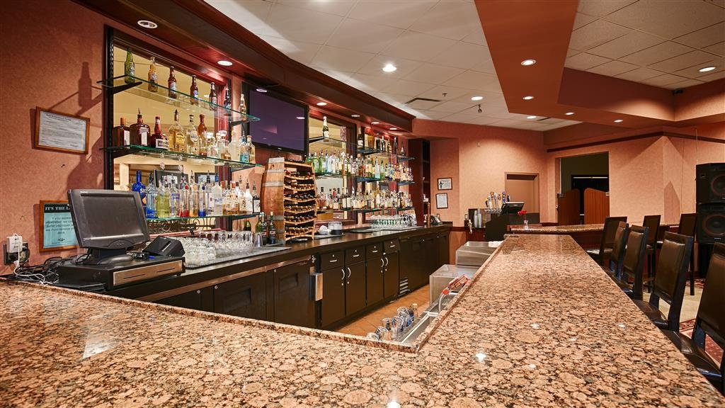 Best Western Plus Tacoma Dome Hotel - Bar/Lounge