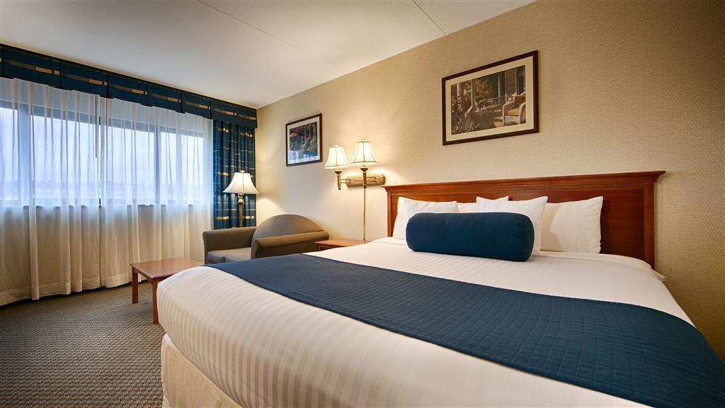 Best Western Plus Tacoma Dome Hotel - Guest room