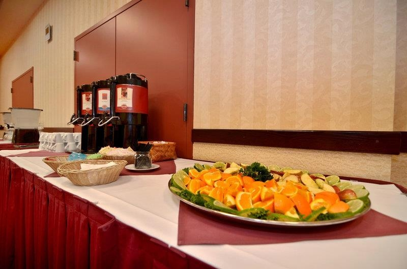 Best Western Plus Tacoma Dome Hotel - We offer full catering services for every type of meeting.