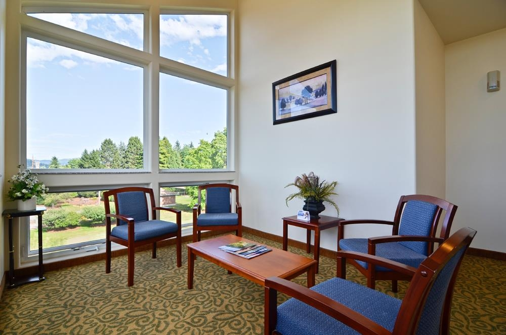 Best Western Plus Battle Ground Inn & Suites - Our hotel library has floor to ceiling windows overlooking beautiful Mt. St. Helens.