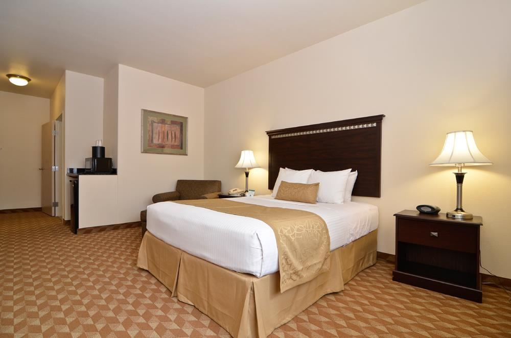 Best Western Plus Battle Ground Inn & Suites - Wireless Internet is available in every guest room.