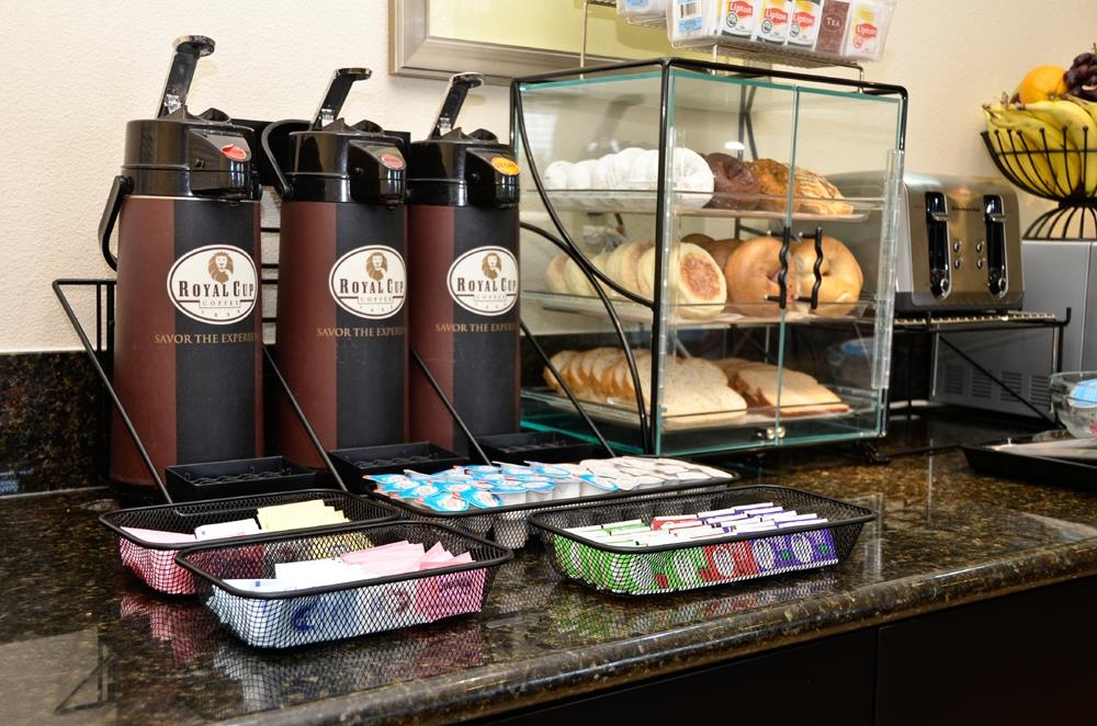 Best Western Plus Battle Ground Inn & Suites - No need to leave the hotel for coffee!