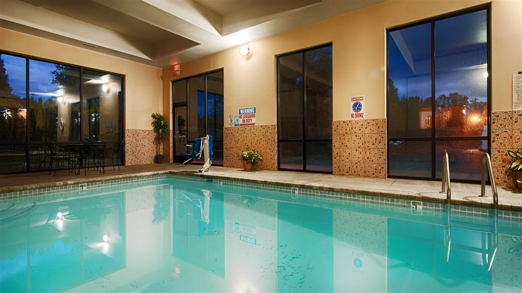 Best Western Plus Battle Ground Inn & Suites - The indoor salt water pool is perfect for swimming laps or taking a quick dip.