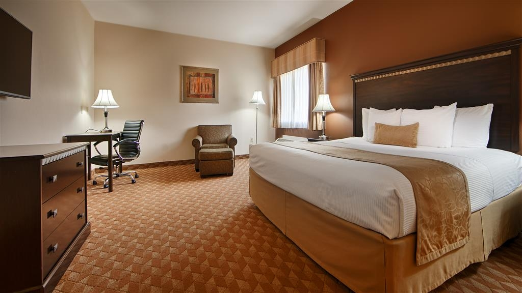 Best Western Plus Battle Ground Inn & Suites - Your comfort is our first priority. In our king guest rooms, you will find that and much more.