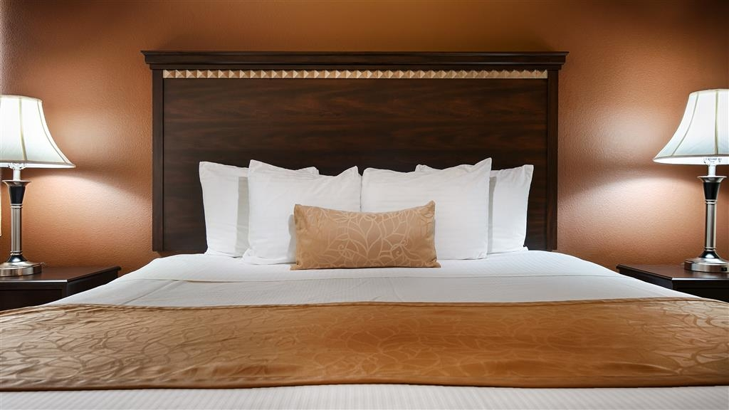 Best Western Plus Battle Ground Inn & Suites - Sink into our comfortable beds each night and wake up feeling completely refreshed.