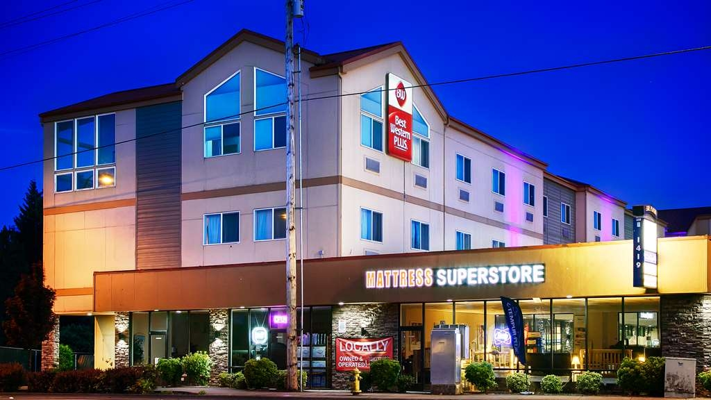 Best Western Plus Battle Ground Inn & Suites - Außenansicht