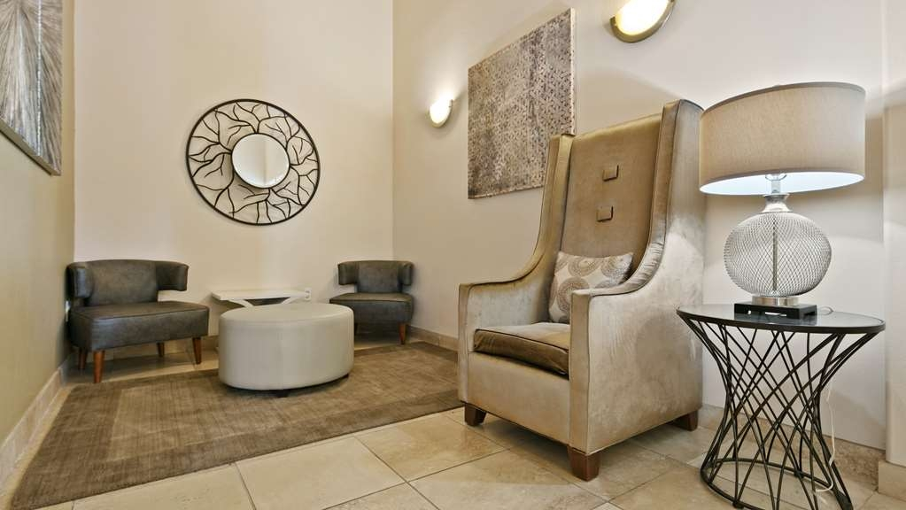 Best Western Plus Battle Ground Inn & Suites - Lobby