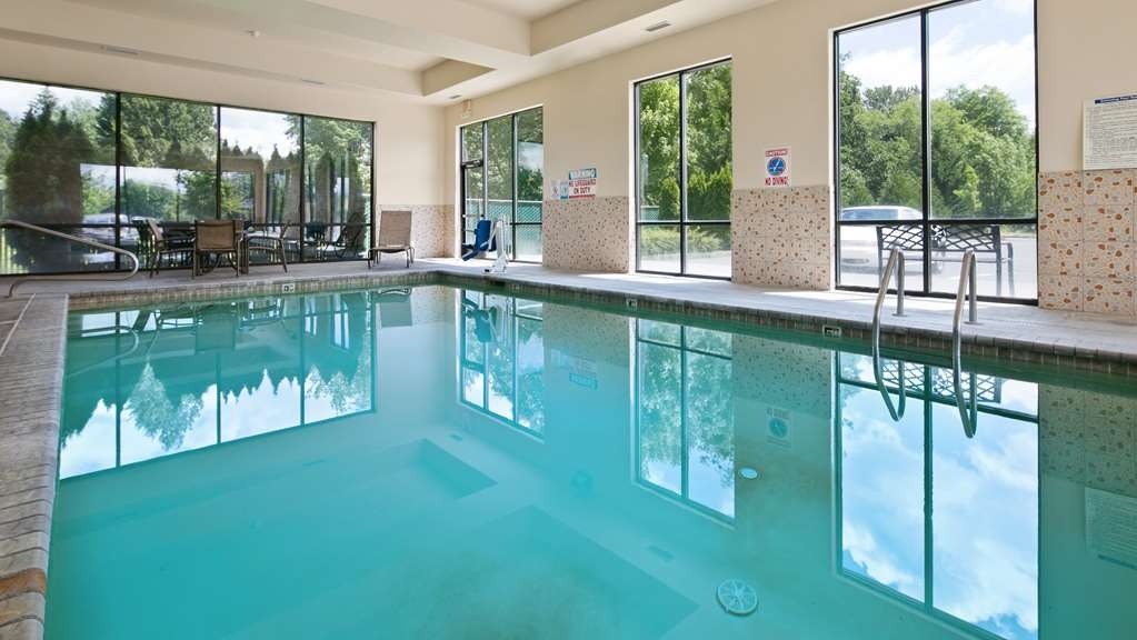 Best Western Plus Battle Ground Inn & Suites - Pool