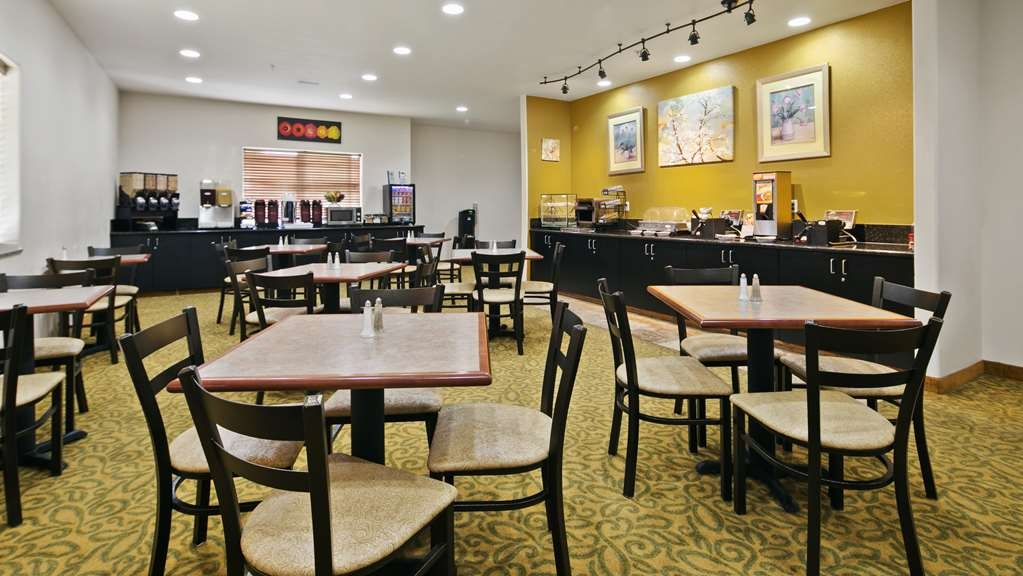 Best Western Plus Battle Ground Inn & Suites - Breakfast Area