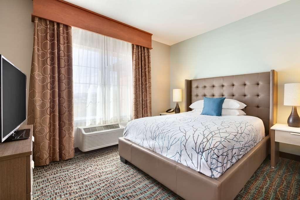 Best Western Plus Peppertree Inn at Omak - BEST WESTERN PLUS Peppertree Inn at Omak Extended Stay Room