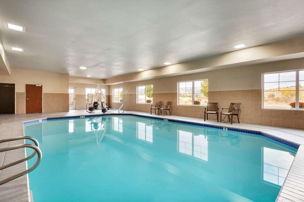 Best Western Plus Peppertree Inn at Omak - BEST WESTERN PLUS Peppertree Inn at Omak Pool