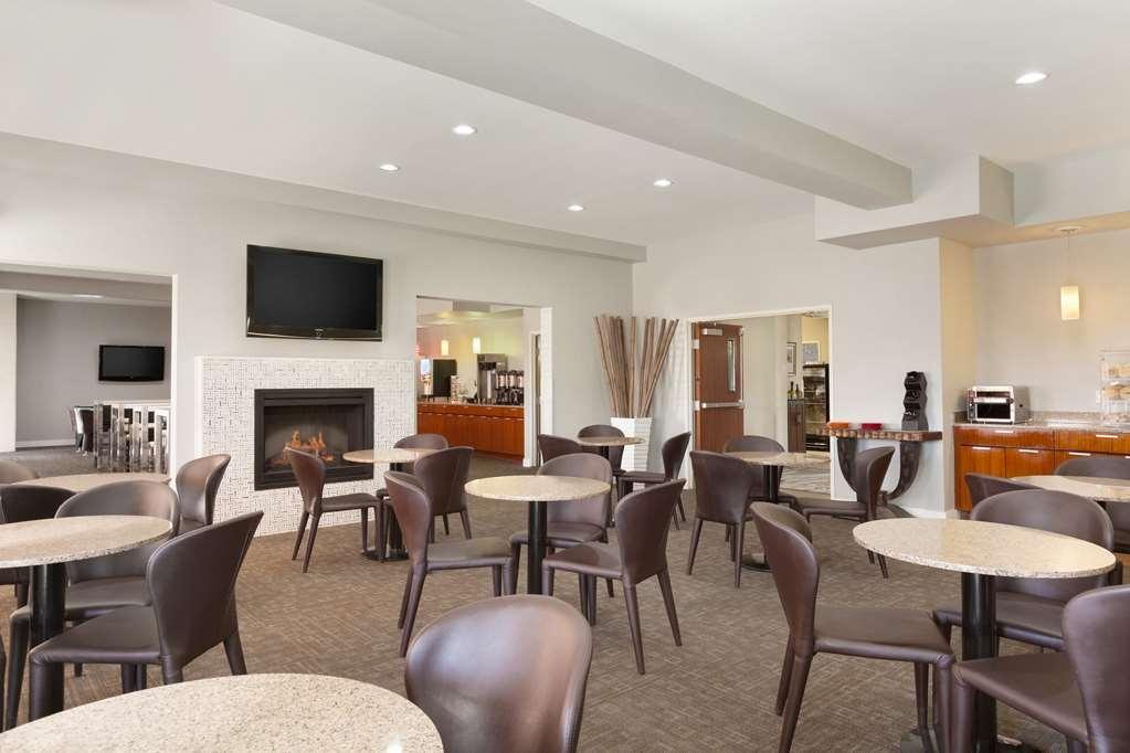 Best Western Plus Peppertree Inn at Omak - BEST WESTERN PLUS Peppertree Inn at Omak Dining Room
