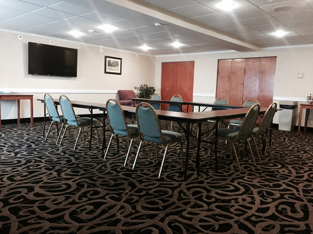 Best Western Wheatland Inn - The Palouse Room is perfect for that conference or meeting you're looking to host. We'll set it up to your liking.