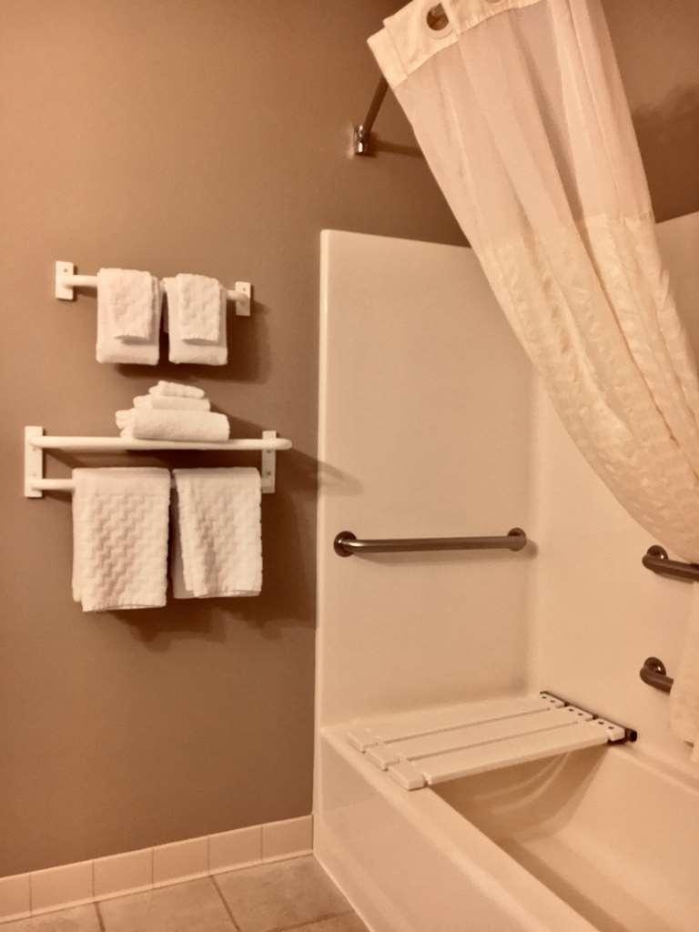 Best Western Wheatland Inn - Suite
