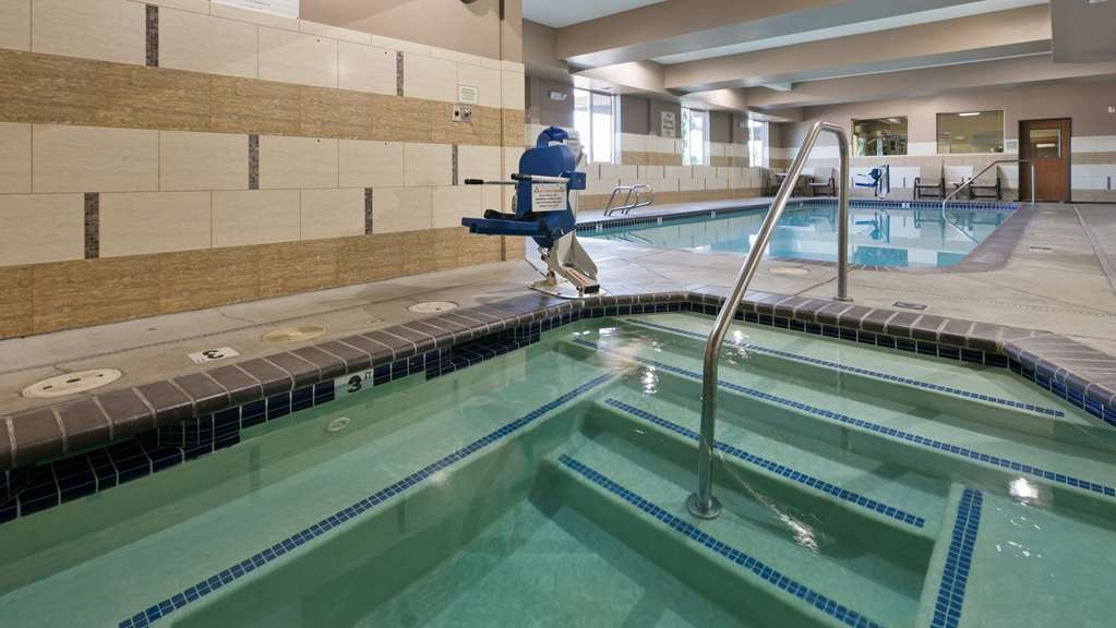Best Western Plus Parkersville Inn & Suites - Take a refreshing dip in our indoor pool or take a well-deserved break in our relaxing hot-tub.