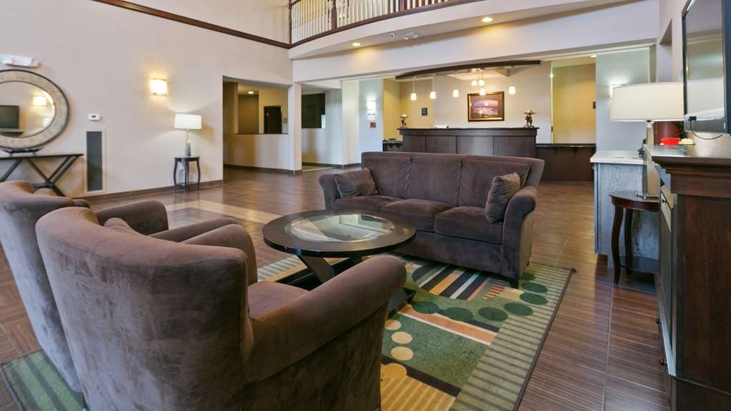Best Western Plus Parkersville Inn & Suites - We strive to exceed your every expectation starting from the moment you walk into our lobby.