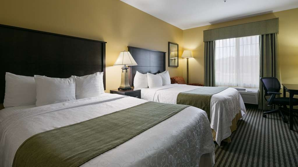 Best Western Plus Parkersville Inn & Suites - Stay in our 2 queen room! Includes microwave, refrigerator, 32-inch LCD TV and free Internet access.