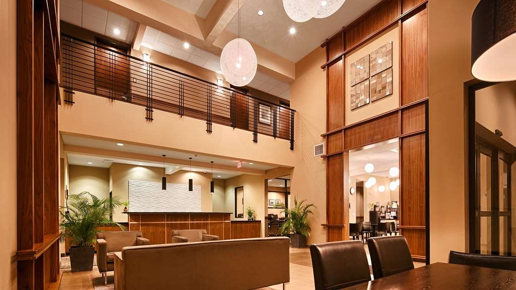 Best Western Plus Lacey Inn & Suites - Hall