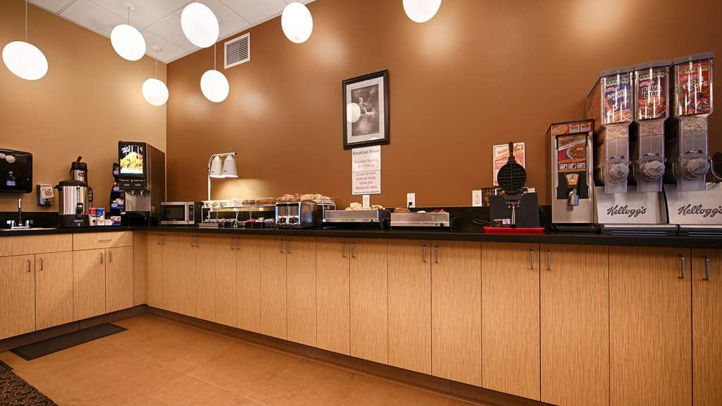 Best Western Plus Lacey Inn & Suites - Breakfast Area
