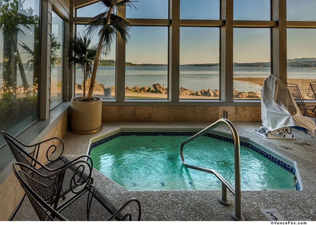 Best Western Plus Silverdale Beach Hotel - Check out the views of Silverdale as you relax away in our hot tub.